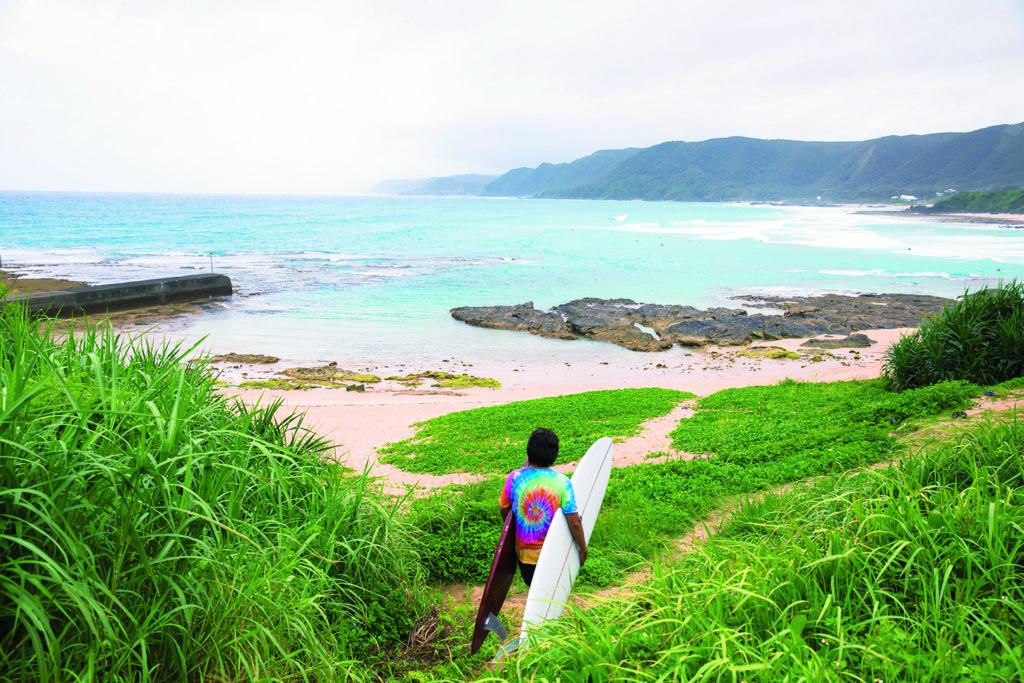 奄美大島でサーフィン