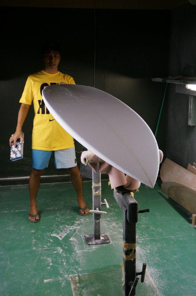 サーフボードのシェイピング