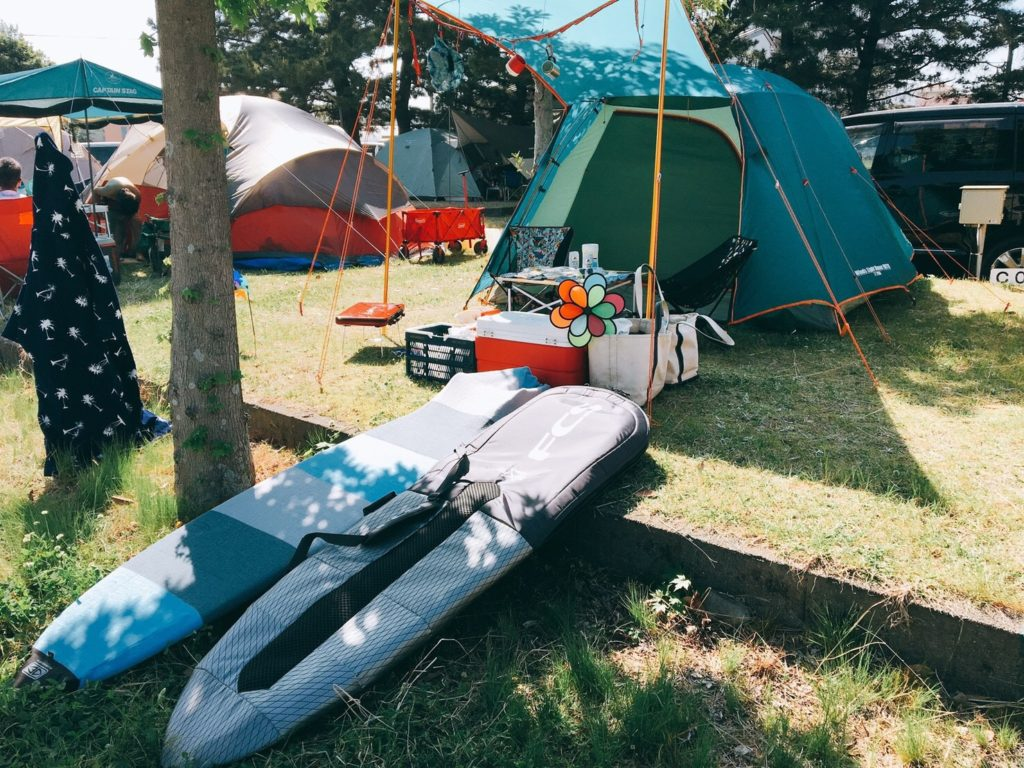 キャンプ 近く 場 の